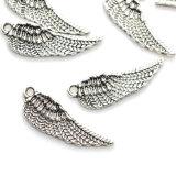 チベットの天使の妖精によってはアクセサリDIYの宝石類を作る魅力のペンダントが飛ぶ