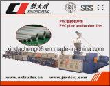 Linha de produção padrão da extrusão da tubulação de água do PVC do plástico do Ce