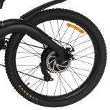 Bici elettrica di Montain fuori dalla bici della strada