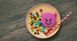 Materiële Last van pvc van de Bank van de Macht van de Bank 2000mAh van de macht de Grappige Leuke Emoji Gestalte gegeven