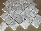Italië Wit Carrara de Marmeren Tegel van het Mozaïek van het Vernisje van Arabesque/van de Lantaarn voor de Decoratie van de Muur