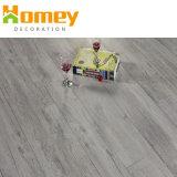 Du grain du bois Cliquez sur un revêtement de sol PVC étanche non glissante