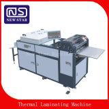Sguv-660D'un revêtement d'huile UV entièrement automatique pour le papier de la machine
