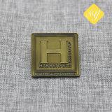 고품질 주문 금속은 주물 사기질 접어젖힌 옷깃 핀 OEM ODM를 정지한다