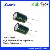 De grote Elektrolytische Condensator van de Capaciteit 3300UF 10V
