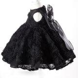 Robes noires de petite fille de lacet