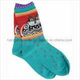 Тип личности покрасил сделанные по образцу яркие носки экипажа детей жаккарда