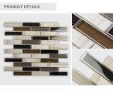 Azulejo de mosaico de piedra de cristal de la tira gris clara de la mayor nivel para la decoración