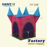 Cartoon crianças que brincam as crianças a tenda