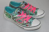 Modèle supérieur coloré, chaussures de PVC, chaussures occasionnelles