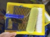Cepillo bandeja de plástico.