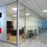 Puertas deslizantes de aluminio de la partición de cristal con las persianas incorporadas