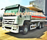 유조 트럭이 트럭, FAW 15-20 Cbm를 수송하는 기름에 의하여 급유한다