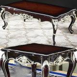 コーヒーテーブルおよび側面表(103)が付いている標準的な革ソファー