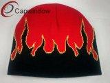 100% acrylique Beanie Hat avec logo jacquard la flamme