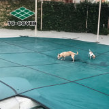 К услугам гостей бассейн. Безопасности бассейн крышки