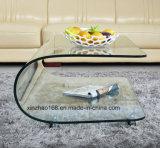 Semicerchio che tempera il tavolino da salotto di vetro del salone