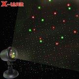 Il verde rosso-chiaro del laser dell'acquazzone Stars la luce laser esterna