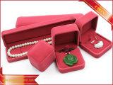 Terciopelo pendientes de joyería de lujo en caja de terciopelo de caja de embalaje