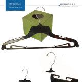Schwarze Farben-Plastikhemd-und Fußleisten-Aufhängungen