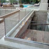 低価格のDerkのためのアルミニウムUチャンネル12mmの緩和されたガラスの柵