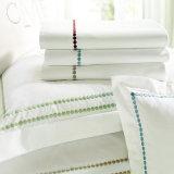 贅沢なホーム織物のクイーンサイズの100%年の綿によって刺繍されるホテルの寝具