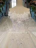 Aoliweiyaホールテュルおよびサテンのウェディングドレス