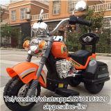 Les enfants monter sur moto fonctionnant sur batterie de voiture
