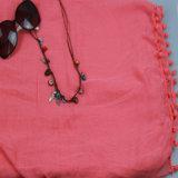 красная шаль 100%Polyester с вспомогательным оборудованием способа шарфа способа Tassel