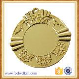 A inserção feita sob encomenda da foto da fábrica ostenta medalhas
