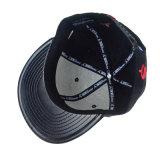 Proyecto de Ley de planos de cuero negro sombrero Snapback Gorra de béisbol personalizado con logo bordado en 3D.