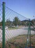 PVC гальванизировал сваренную загородку звена цепи ячеистой сети для спортивной площадки