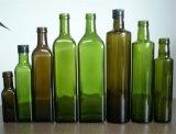 Bottiglia vuota dell'olio di oliva con la maniglia ed il sughero