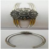 Elegantes Form-Schmucksache-Armband