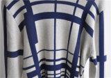 冬の長い袖は編まれた人のセーターを模造した