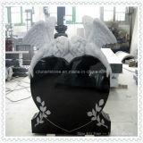 Черный памятник надгробной плиты гранита с сердцем