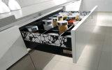 Высокая мебель кухни лака лоска с шкафами Veneer тимберса (zz-003)