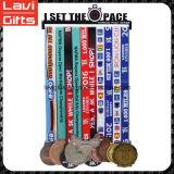 高品質の工場価格メダルハンガーの表示、連続したメダルハンガー、スポーツメダルハンガー