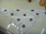주문품 디자인 손에 의하여 코바늘로 뜨개질되는 뜨개질을 한 스카프 숄을 주문하기 위하여
