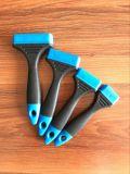 Manico per pennelli con materiale di gomma