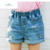 Nuovi Shorts del denim di stile di estate con bello ricamo per le ragazze dai jeans della mosca