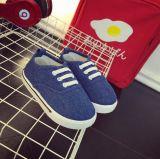 Slittamento di modo dei pattini di tela di canapa del bambino sulle scarpe da tennis del fannullone del bambino (AKBS31)
