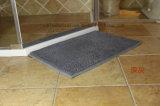 Microfiberのシュニールの浴室部屋の不足分の山の床のマット