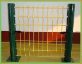 Сварной проволочной сеткой ограждения панели с изгибов