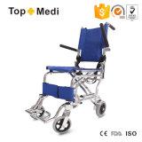 医療機器の熱い販売の軽量の病院の折る車椅子マニュアル