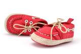 Малыш оптовых подошв шнурков новой модели одиночных мягких крытый обувает ботинки младенца вскользь