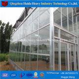 De Serre van het Glas van de multi-Spanwijdte van het Type van Venlo in Keda wordt gemaakt die