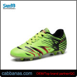 Nuevo modelo de bajo precio de los hombres Zapatos de fútbol