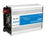 C.C de l'inverseur 12V/24V de pouvoir du véhicule 300W à l'inverseur pur d'onde sinusoïdale à C.A. 120/220V
