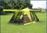4つはドアのテント、安いキャンプテントを開く
